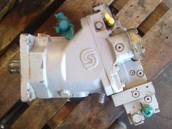 Timberjack 1270B Transmission pump and motor