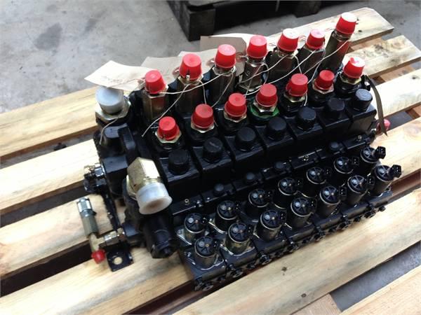 John Deere 1470D Parker K170LS valve block