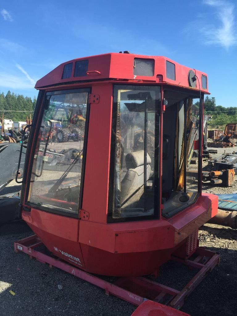 Valmet 941 cabin / internals