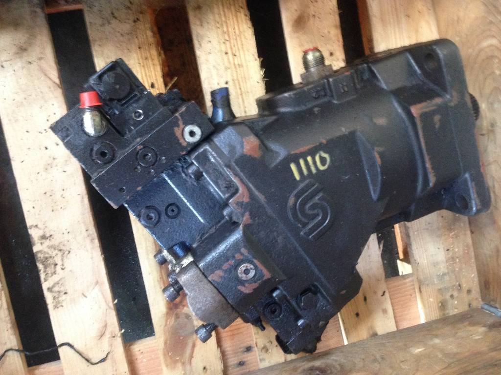 Timberjack 1110 Trans pump 90R100 and motor F056725