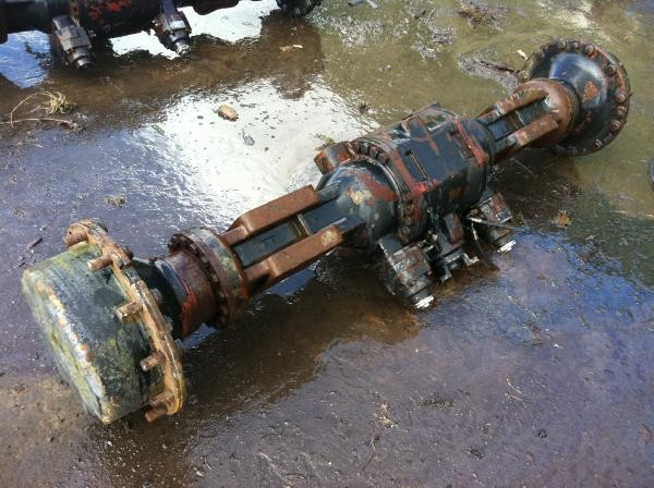 Timberjack 870B front axle