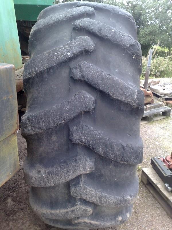 Trelleborg 600 x 34 wheels and tyres