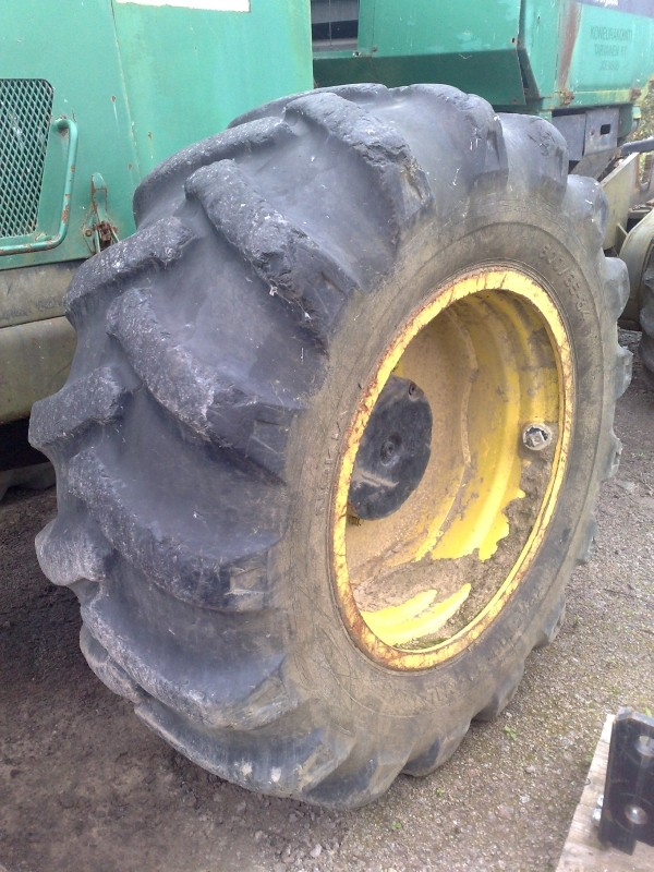 Trelleborg 600 x 34 wheels and tyres