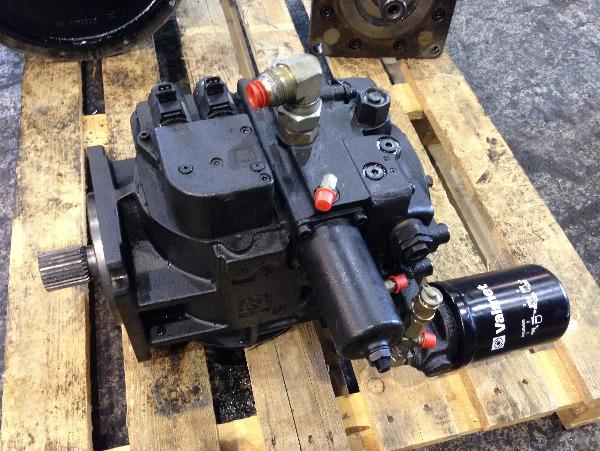 Valmet 941 Transmission pump 5050543