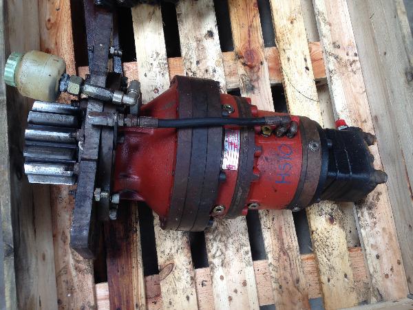 Ponsse Cobra Sauer Danfoss slew motor gearbox
