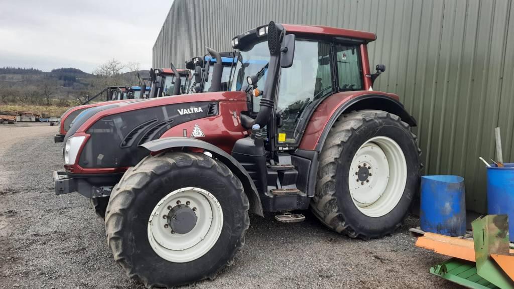 Valtra T183 Versu Tractor
