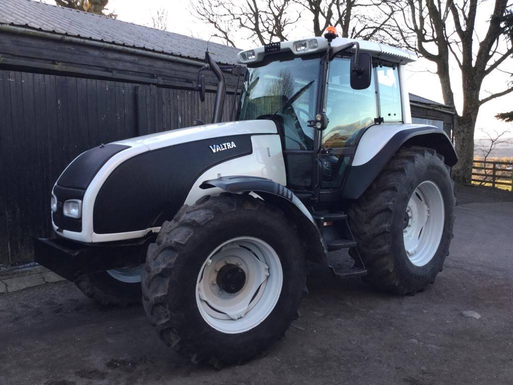 Valtra T130 Tractor