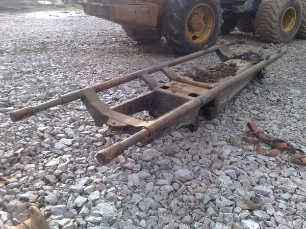 Timberjack 810B rear chassis
