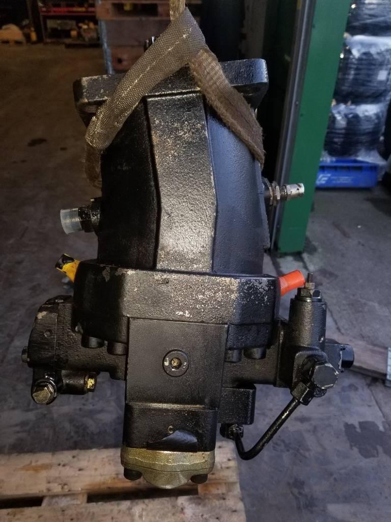 Timberjack 1110C Transmission Motor