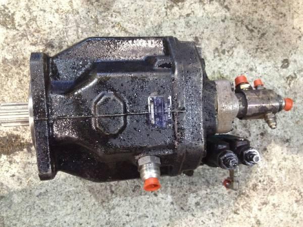 Valmet 890 Hydraulic pump